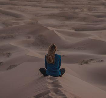 mindfulness i medytacja temat na dziś